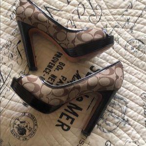 Coach signature heels Breana mint condition